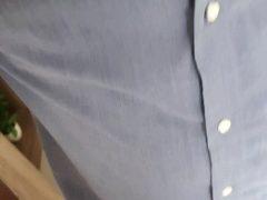 Garotão irado saiu do escritório para dar o seu cu