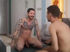 Pai e filho gays pervertidos fodem gostoso