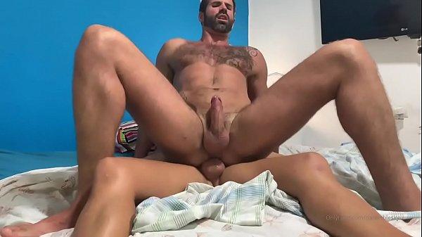 Comendo o cu do velho maduro