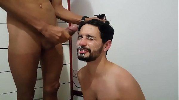 Gozadas na cara do gay gostosinho